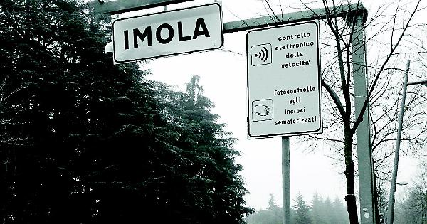 Imola, lavori in via Bel Poggio.