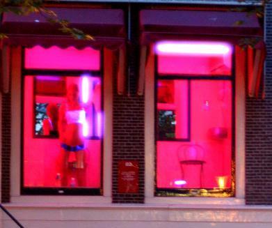 Amsterdam, a rischio il quartiere a luci rosse.