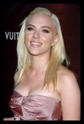 Identikit : Scarlett Johansson.