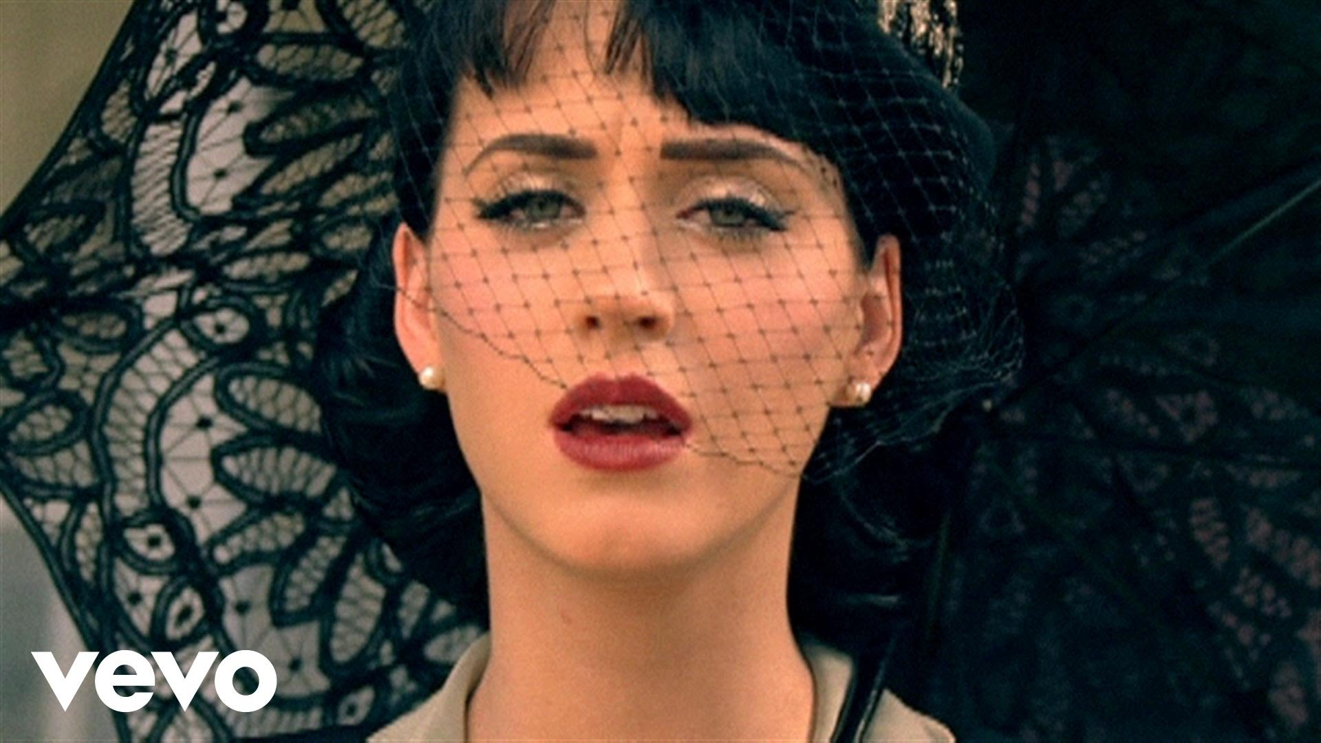 Nuovo singolo e video per Kate Perry : Thinking of You.