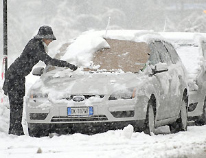Ghiaccio, freddo e neve colpiscono l'Italia.