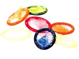 Preservativi tra i banchi di scuola.