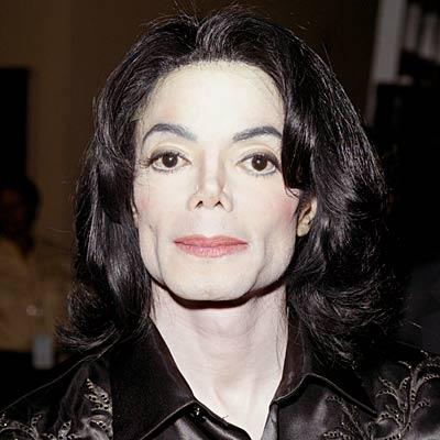 Michael Jackson muore all'età di 50 anni.