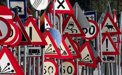 Nuovo Codice della Strada 2010. Ecco le principali novità dalla patente a ore alla multa a rate.