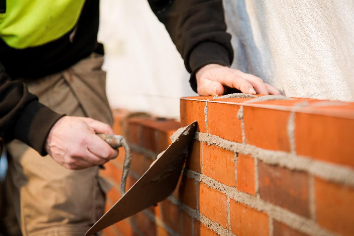 Manovra, rispunta (e viene ritirato) il condono edilizio e fiscale.