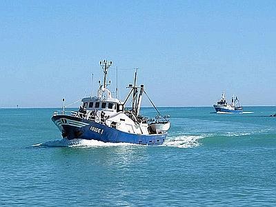 Mitragliato un peschereccio italiano, ma per Maroni è solo un incidente.