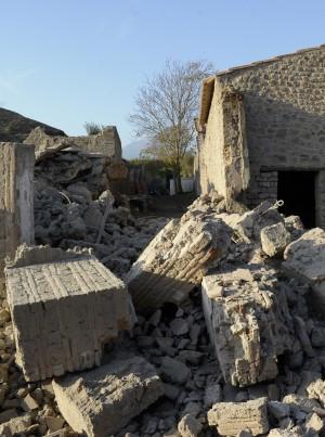 Pompei, crolla l'Armeria dei Gladiatori.