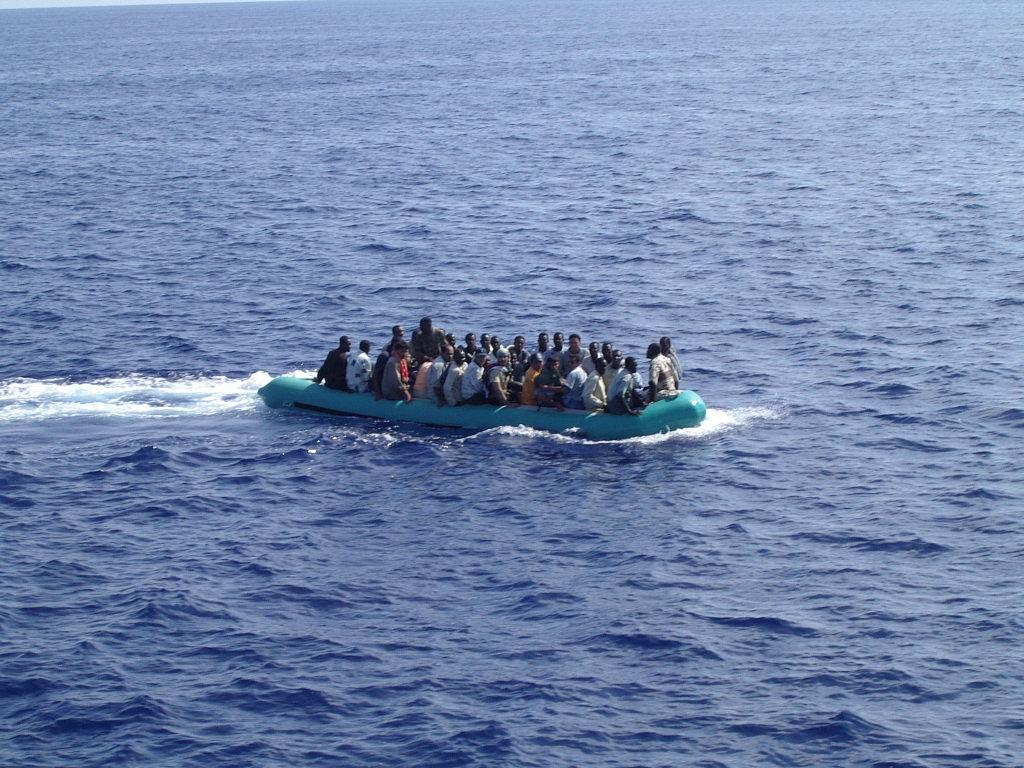 Buoni turismo per Lampedusa. Intanto continuano gli sbarchi.