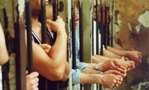 Sovraffolamento delle carceri italiane ai limiti della tortura.