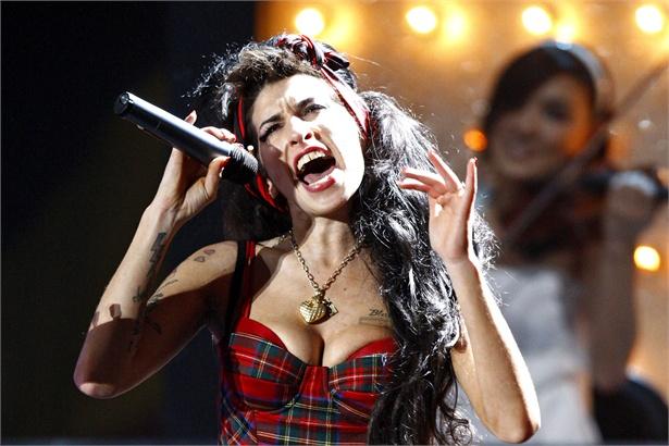 Trovata Morta a Londra Amy Winehouse. Vittima anche lei della maledizione del '27 years club'.