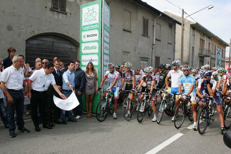 Giro della Padania, polemiche e contestazioni.