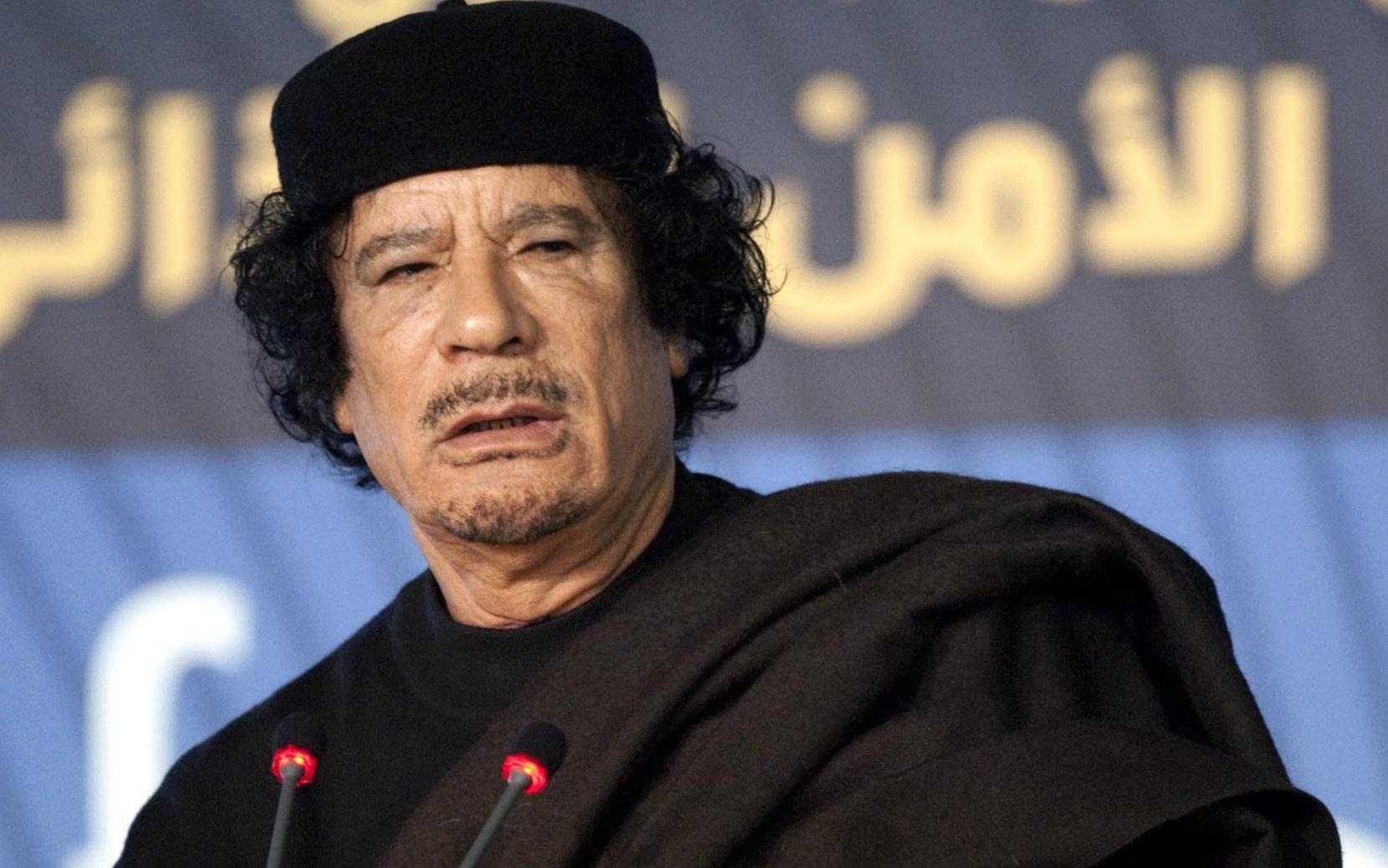 Libia, trovato e ucciso Muhammar Gheddafi.