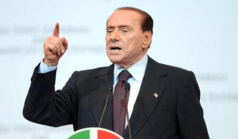 Berlusconi si ricandida, Monti a rischio
