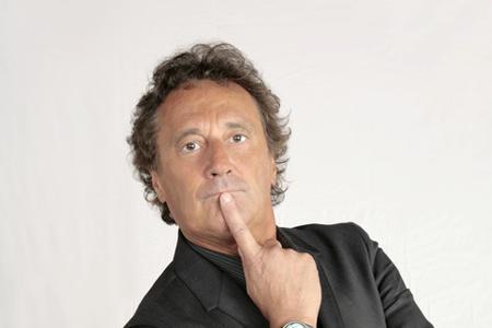 Caro Morandi, vaffanculo. Firmato Enzo Iacchetti.