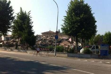 Altre scosse di terremoto devastano Modena e provincia: 17 morti.