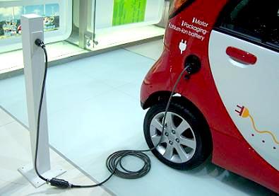 Con l'auto elettrica si risparmiano 1000 euro all'anno.