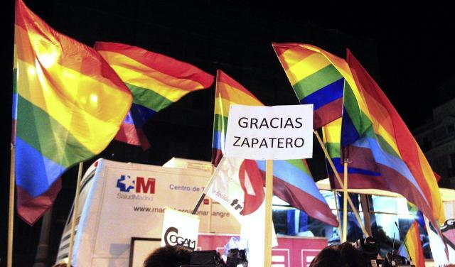 La Spagna salva i matrimoni gay, l'Italia rimane indietro