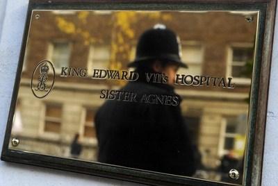 Vittima di uno scherzo telefonico, si suicida l'infermiera inglese beffata dalla finta Regina