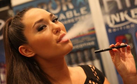 Sigarette elettroniche, arriva lo stop nei locali pubblici