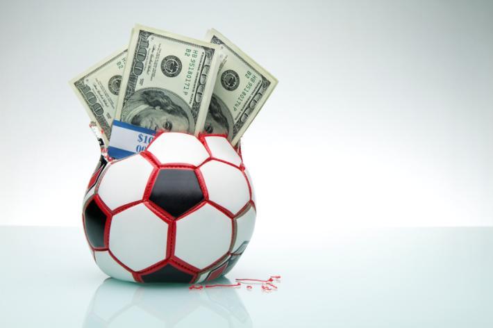 La Finanza irrompe nelle sedi di 41 squadre di A, B e serie minori