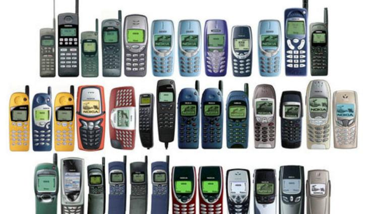 Cellulari e Smartphone in un cassetto. Possono valere ancora qualcosa