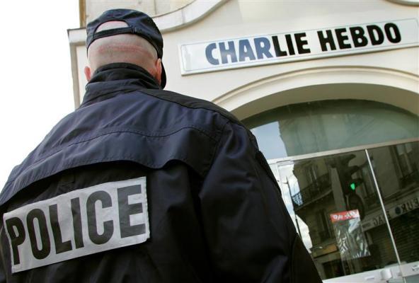 Parigi, assalto al giornale satirico Charlie Hebdo