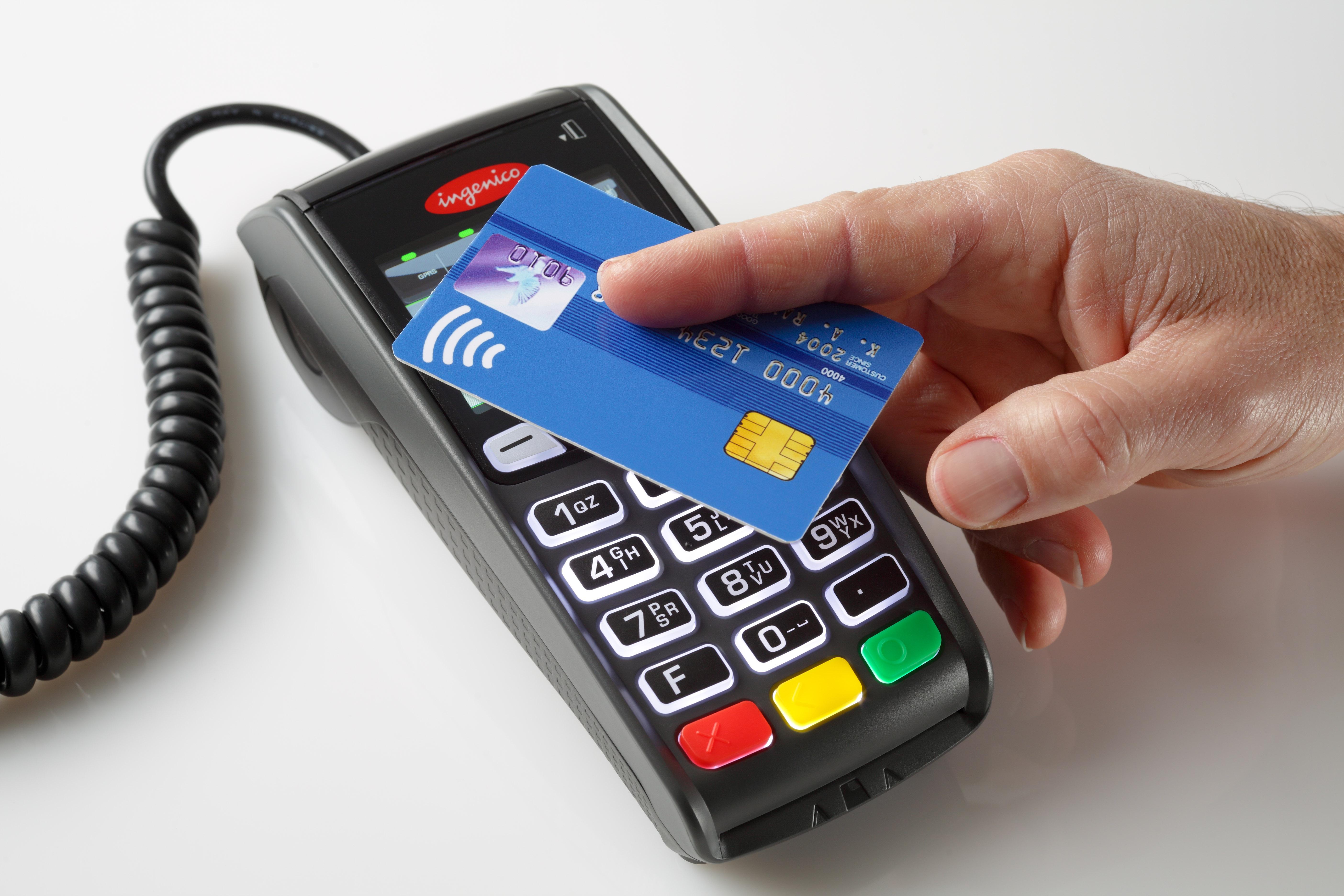 Carte contactless: vizi e virtù della nuova generazione di carte di credito (e debito)