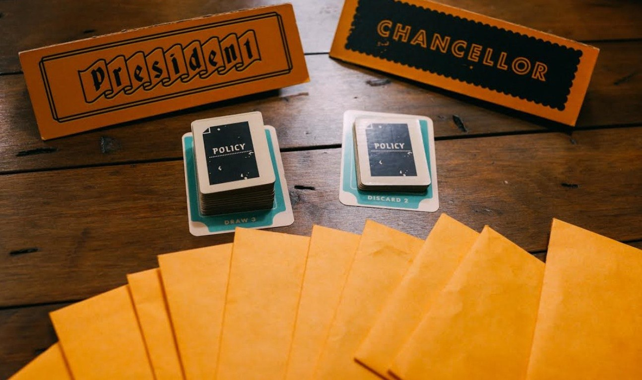 Dal creatore di Cards Against Humanity: Secret Hitler, un gioco da Fascisti... e Liberali.