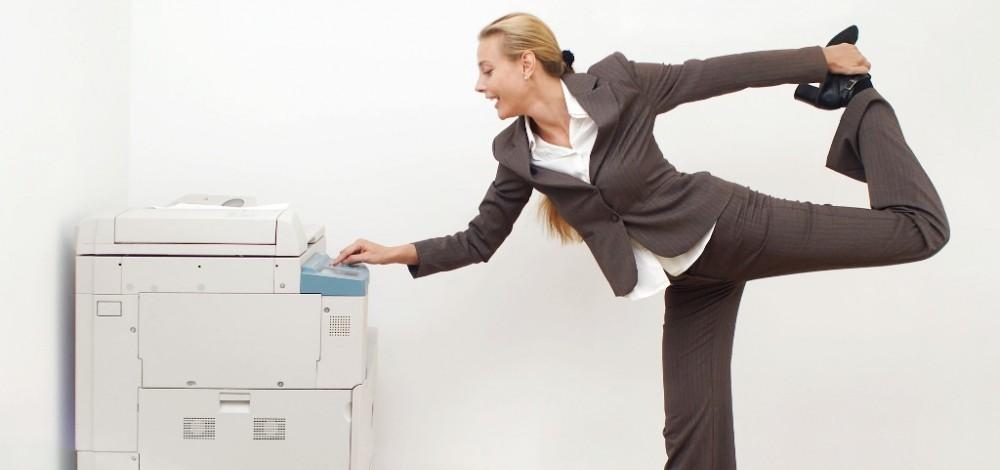 Tre veloci esercizi per migliorare la postura e alleviare mal di schiena e collo