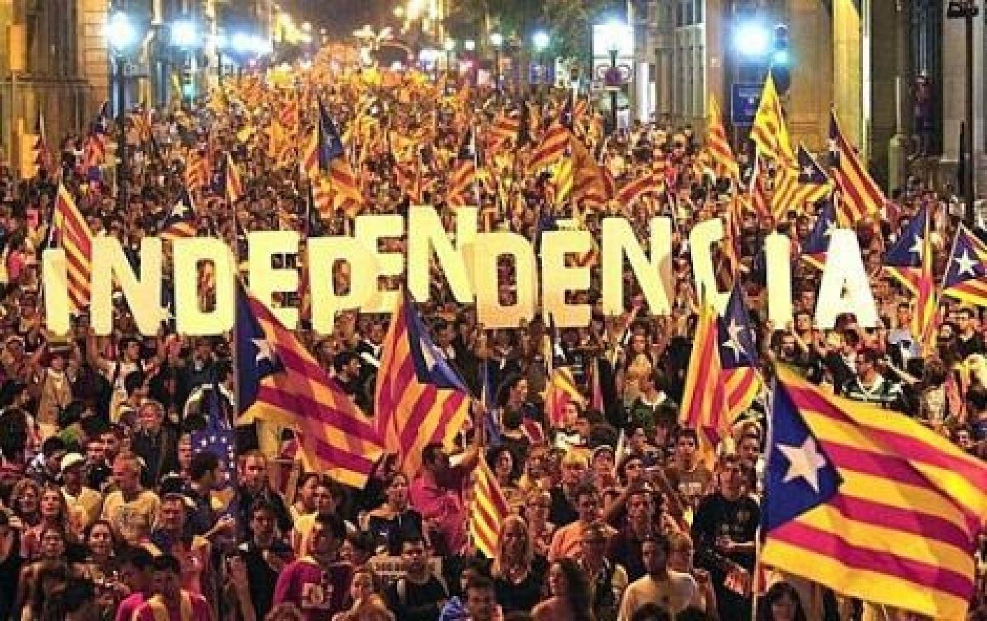 Catalogna, caos ai seggi per l'indipendenza