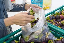 Sacchetti per frutta e verdura. Dal 1° Gennaio saranno a pagamento