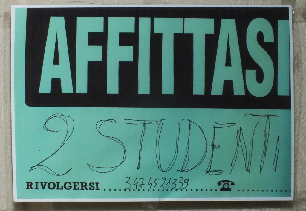 A Bologna è crisi da affitto-stanze per studenti.