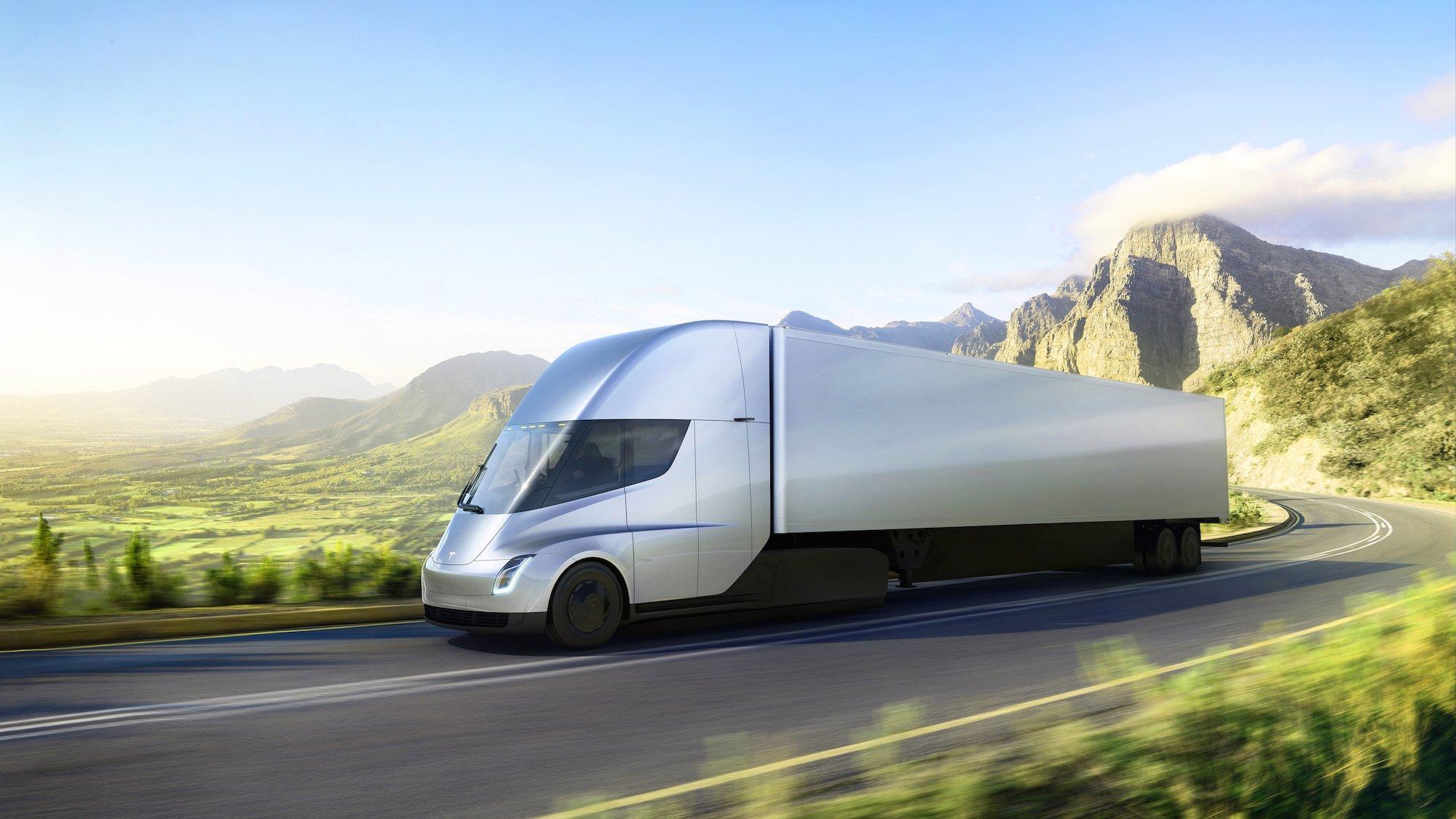 Elon Musk presenta Tesla Semi, l'autoarticolato che rivoluzionerà il settore del trasporto pesante
