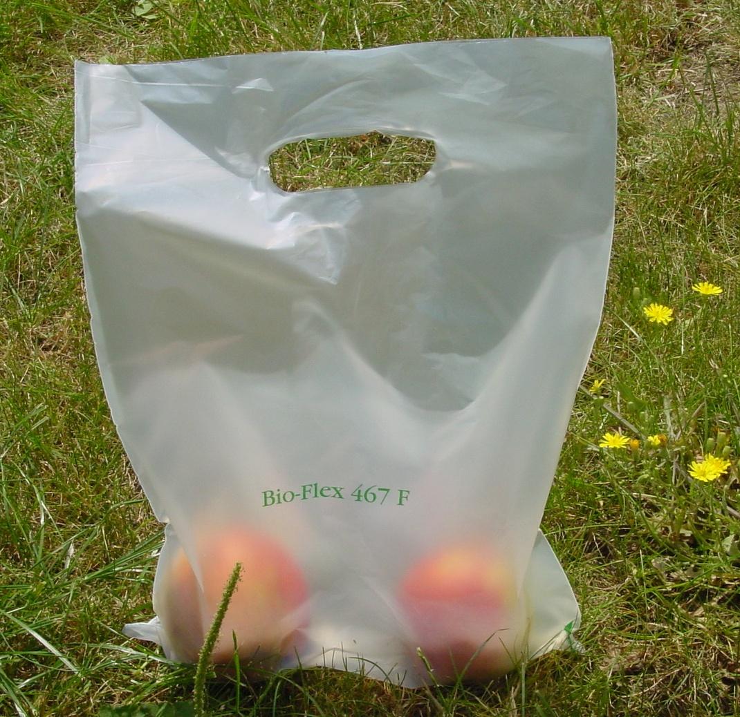 Dal 1°Gennaio sacchetti bio anche per frutta e verdura (ma a pagamento e non riciclabili)